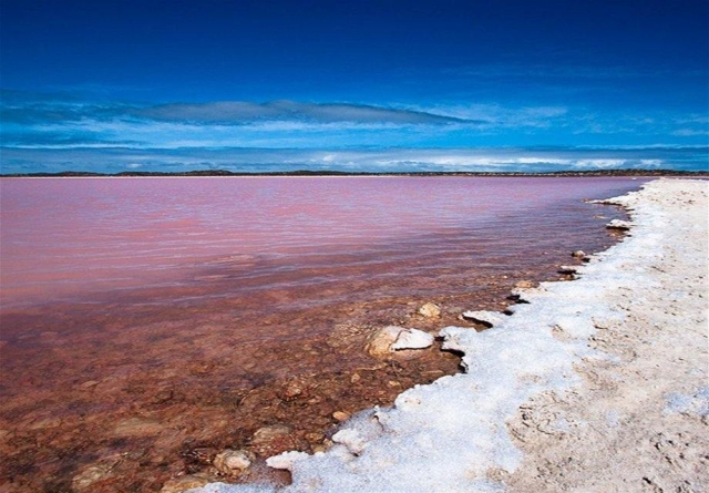 Lake-Retba-Lac-Rose